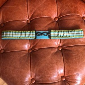 Gap ribbon belt